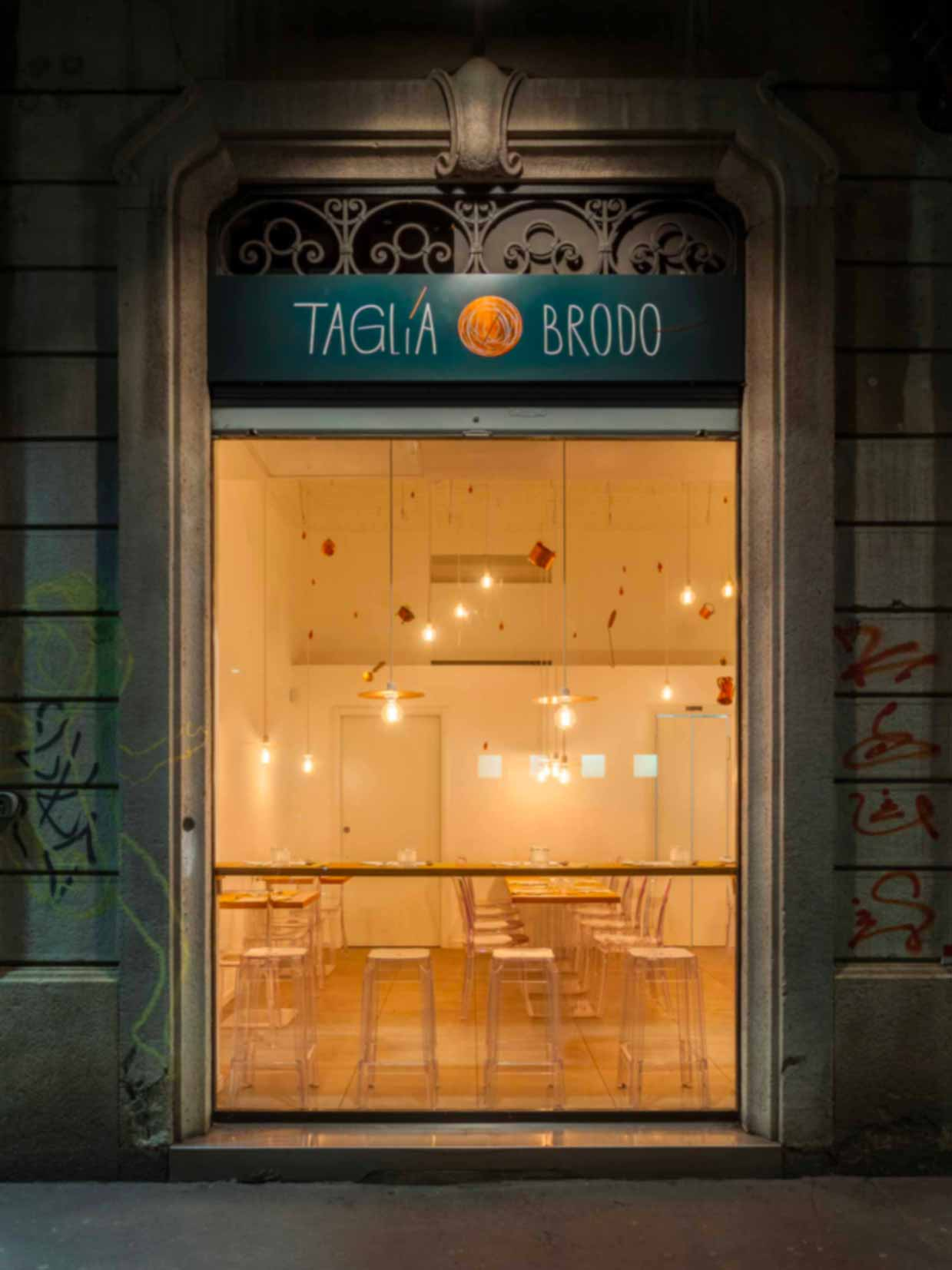 Ristorante Navigli di Milano Tagliabrodo | Zuppe, zupperia e alta cucina sui navigli di Milano | immagine esterni e vetrina